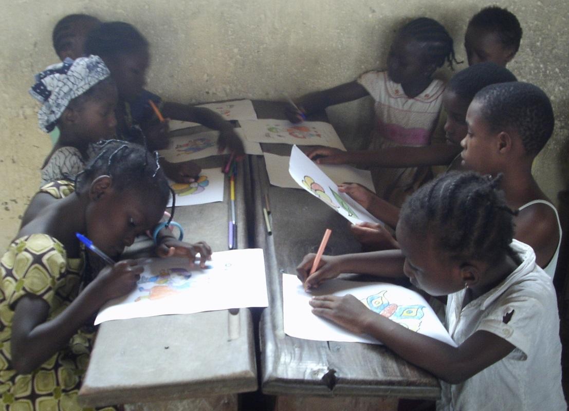 Des élèves dans une école primaire.