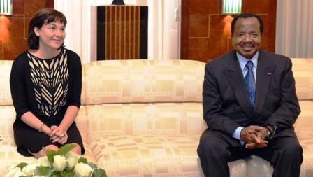 Le président Biya recevant Mme Girardin.