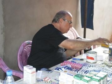 Jean Claude Duviella veuillant sur la qualité des médicaments.