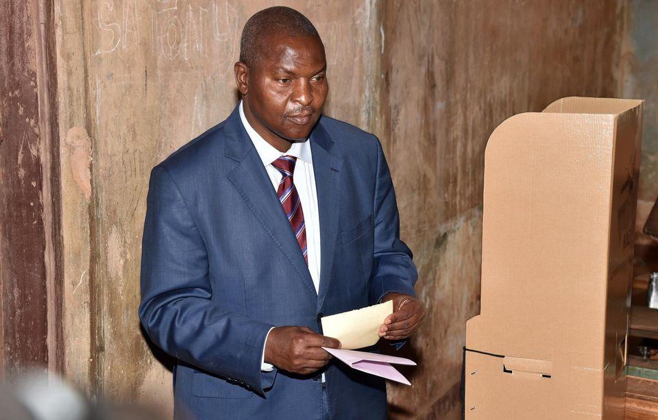 Le 14 février, le candidat Faustin Archange Touadera lors du second tour de l'élection présidentielle centrafricaine, à Bangui. Photo Issouf Sanogo. AFP