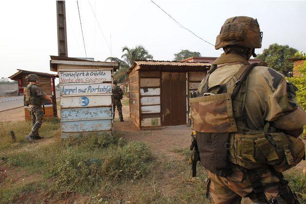 Des soldats français de l'opération Sangaris, à Bangui en février 2014. REUTERS/Luc Gnago