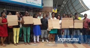 Cameroun :FIPCAM ,la masse ouvrière demande le licenciement de MULLER Stéphane l'apôtre de l'esclavagisme, du racisme et de la corruption qui convoque  une nouvelle réunion extraordinaire aux fins manipulatrices.