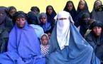 Capture d'écran réalisée à partir d'une vidéo diffusée le 15 janvier 2018 par le groupe jihadiste nigérian Boko Haram montrant 14 présumées lycéennes enlevées à Chibok en avril 2014 / © BOKO HARAM/AFP / Handout