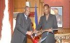 Tchad : Le premier fusil de rébellion utilisé par l'ex Président G. Weddeye, remis à Idriss Déby