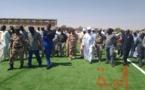 Le début de l'installation de la pelouse synthétique du stade d'Abeché, lundi 17 février 2020. © Hamid Mahamat Issa/Alwihda Info