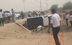 Tchad : un véhicule se renverse en pleine circulation à Abéché
