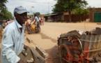 Tchad : ramasseur d'ordures ménagères, il s'achète un terrain et se construit un habitat