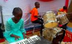 Tchad : louange et adoration, la jeune génération se forme aux instruments de musique à Moundou