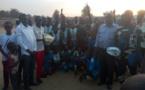 Tchad : une association offre des ballons de football aux jeunes de Moundou