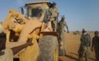 Mali : Les tchadiens transforment une pelleteuse en démineur !
