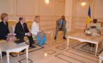 Tchad : Une délégation de sénateurs américains reçue par Idriss Déby