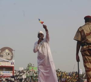 """Déby : """"Ceux qui cherchent à déstabiliser le Tchad, m'auront sur leur chemin arme à la main"""""""