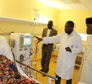 Tchad : le président de l'Assemblée en visite à l'hôpital de la renaissance