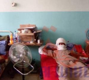 Tchad : à l'hôpital militaire, les citoyens offrent des cadeaux aux soldats blessés