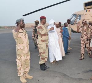 Tchad : Idriss Déby de retour à N'Djamena après 17 jours au Lac