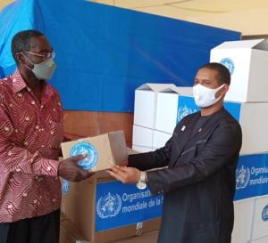 Tchad : l'OMS fait un don de matériel médical contre la Covid-19