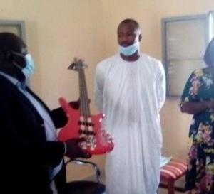 Tchad : Le ministère de la Culture remet des instruments de musique à l'Orchestre national