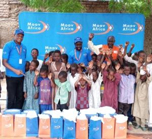 Tchad : Moov Africa fait un don de moustiquaires imprégnées aux orphelins d'un village