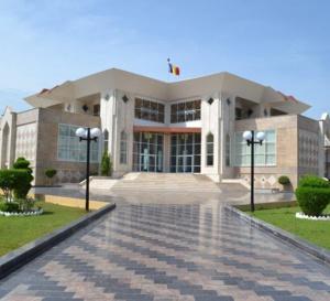 وزير الإعلام الناطق باسم الحكومة عبدالرحمن غلام يقدم تقريرا لمجلس الوزراء العادي
