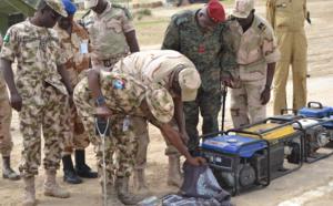 Des soldats tchadiens et nigérians de la zone de défense n°1 de la force mixte multinationale au Nigéria. Crédits photo : Alwihda Info