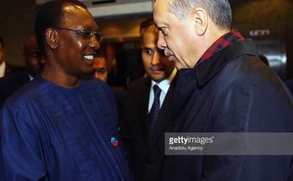 Idriss Déby félicite Erdogan après le référendum constitutionnel en Turquie