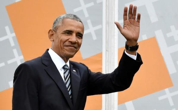Barack Obama revient doucement sur le terrain politique