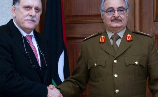"""Crise libyenne : Macron amorce le """"service après-vente"""" voulu par le Tchad"""