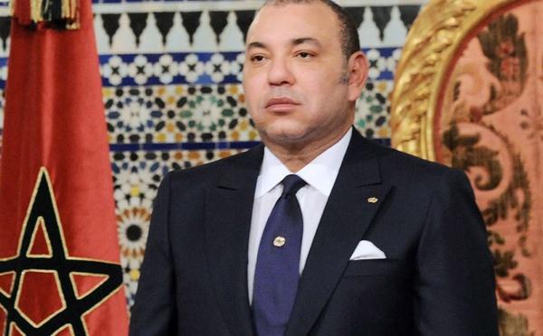 Un conseiller de Mohammed VI qualifie de grotesque montage une image du Roi portant une écharpe politique