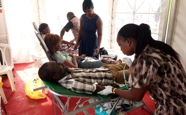 Côte d'Ivoire : Le personnel de la Clinique Médicale La Chrysalide mobilisé pour un don de sang