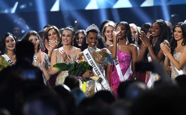 السيدة زوزيبيني تونزي تفوز بلقب ملكة جمال الكون نسخة 2019م