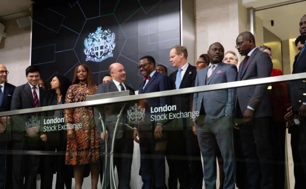 Le président de la BAD, Akinwumi Adesina, ouvre la séance à la Bourse de Londres