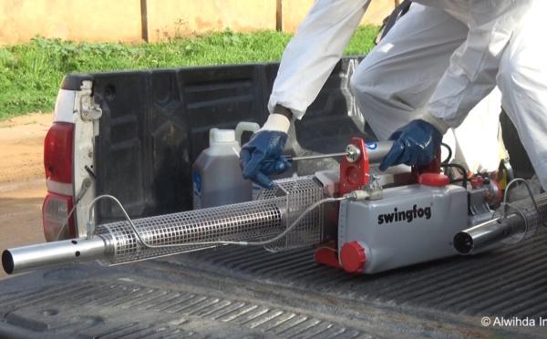Pulvérisation de désinfectant dans les rues : l'OMS met en garde