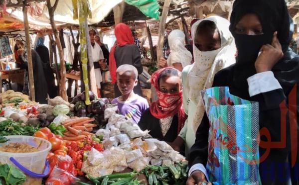 Pandémie : le PNUD demande un revenu minimum provisoire pour aider les plus pauvres