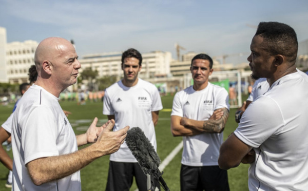 "Infantino : ""Le football va contribuer à nous rassembler"""