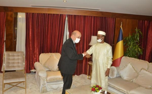 Qatar : Mahamat Idriss Deby a reçu le chef de la diplomatie française