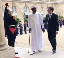 """Décès d'Idriss Deby : la France """"perd un ami courageux"""""""