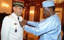 Tchad : Le Général de division français Zavier De Woillemont décoré par le Président