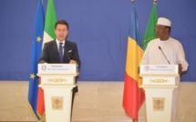 Le président du Tchad, Idriss Déby (droite) et le chef du conseil de gouvernement italien, Giuseppe Conte. © PR