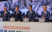 De gauche à droite : le gouverneur de Louisiane John Bel Edwards, le Premier ministre de Corée du Sud Lee Nak-yeon, le PDG du groupe Lotte Shin Dong-bin et l'ambassadeur des États-Unis en Corée du Sud Harry B. Harris Jr., lors de l'inauguration de la nouvelle usine Lotte Chemical USA. (© Lindsey Janies)