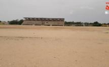 Tchad : l'installation de la pelouse synthétique au stade d'Abéché en bonne voie. © Alwihda Info