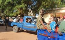 Des gendarmes escortent des détenus au Tchad. Illustration. © Golmen Ali/Alwihda Info