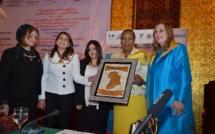 La République Centrafricaine honorée au 11ème Congrès pour les femmes entrepreneures et professionnelles par l'attribution du prix du meilleur leadership de la femme africaine à Madame Catherine Samba-Panza au 11ème Congrès africain pour l'entreprena